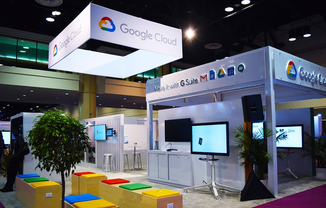 We love and use Google Cloud, so it was a pleasure to stop by their booth!